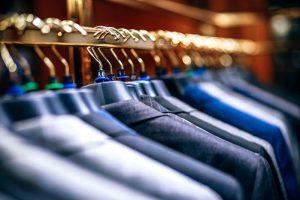 アパレルの売れ残り商品42億円を処分しても服の下代はゴミだから儲かるんよ!